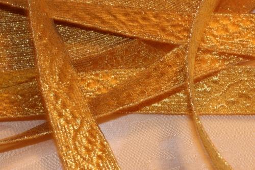 Ecclesiastical Gold Gallon Trim with Oak Leaf Design