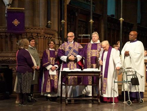 Altar linens for King Richard III reinterment