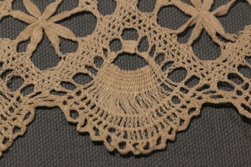 Scallop Edge of Lace trim on Altar Fair Linen