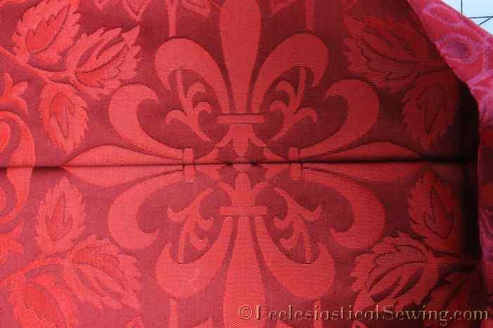 lichfield-liturgical-fabric-matching-pattern-repeat