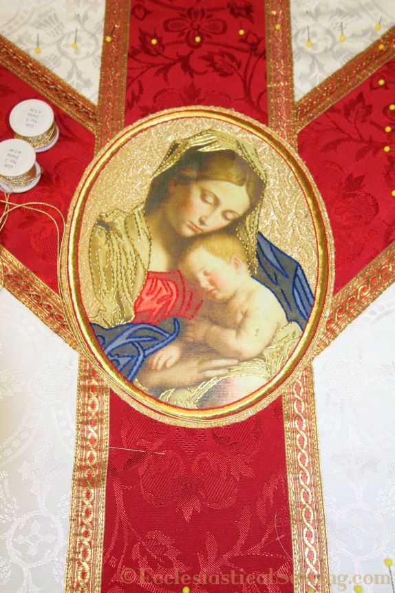 Low mass vestment set Madonna and child