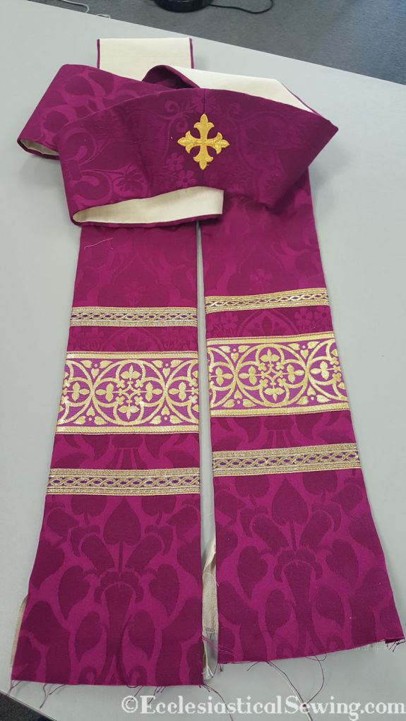 pastor stole liturgical garment vestment deep pink magenta burgundy fuchsia silk brocade embroidery cross needlework pattern floral gold trim